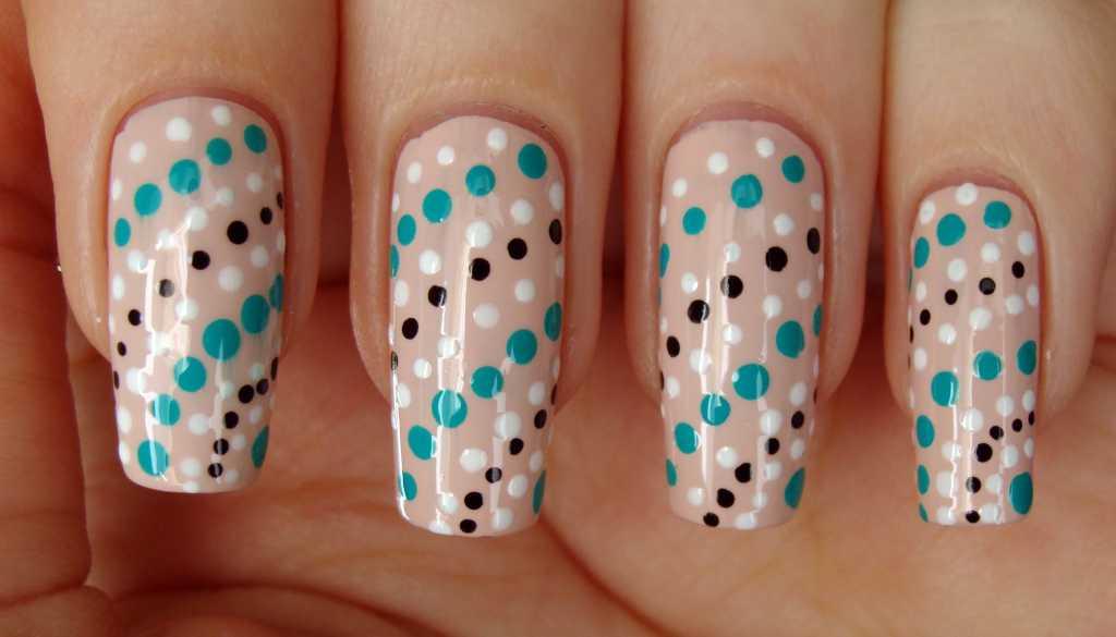 Легкие узоры на ногтях в картинках