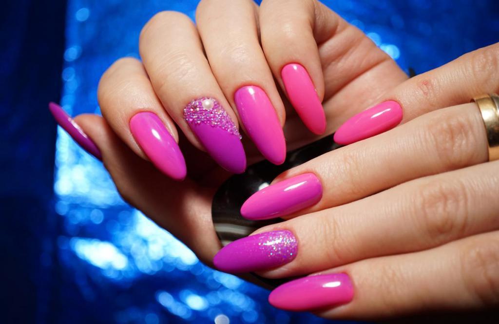 Розовый Лак Для Ногтей Фото