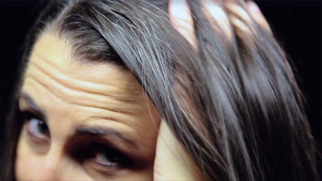 Витамины против седых волос для женщин
