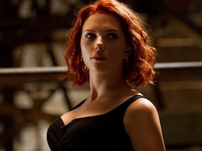 Скарлетт Йоханссон с красными волосами
