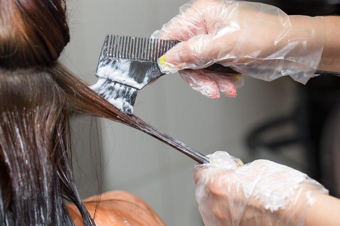 смыть черный цвет волос в салоне